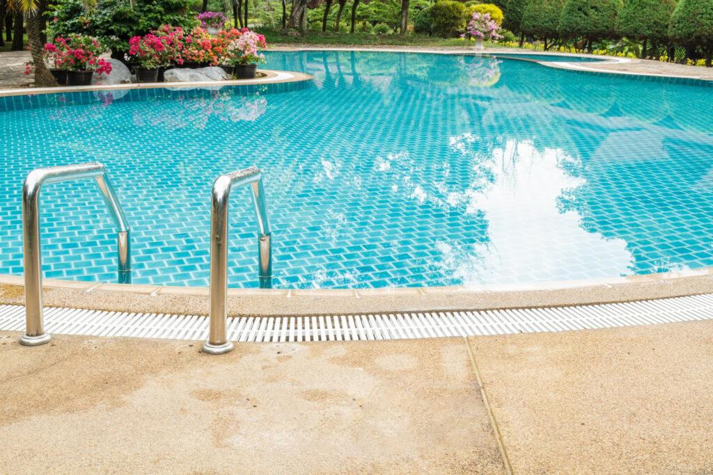 Sweet water swimming pool